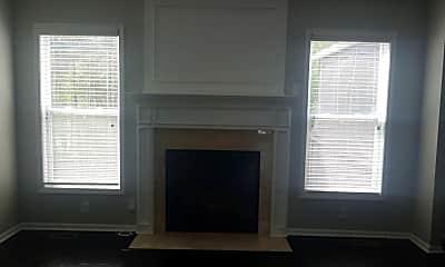 Living Room, 2816 Wolf Club Ct, 1