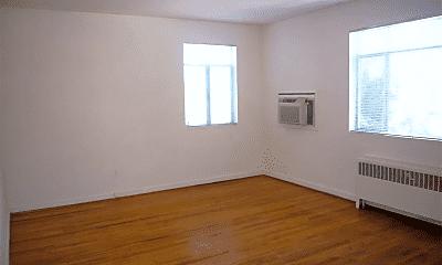 Bedroom, 4926 Battery Ln, 1