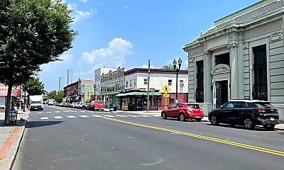 93 Monticello Ave 2F, 2