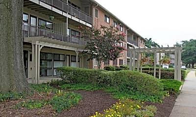 Building, LaSalle Park Apartments, 0