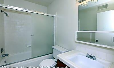 Bathroom, 2823 Willow Ave, 2