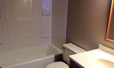 Bathroom, 401 SW 7th St, 2