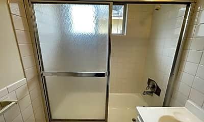 Bathroom, 6634 Woodman Ave, 2