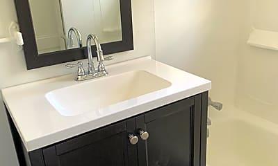 Bathroom, 1551 Hamby Avenue, 2