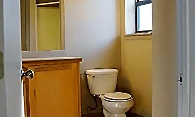 Bathroom, 111 W Morgan St, 1