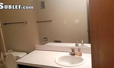 Bathroom, 1984 Traver Rd, 2