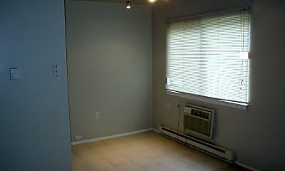 Bedroom, 939 E Homer St, 1