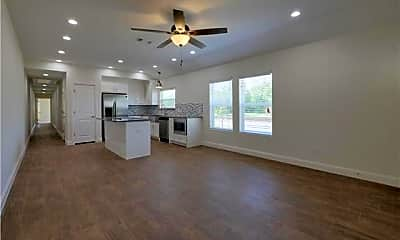 Living Room, 602 E College St, 1