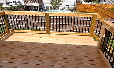 Patio / Deck, 525 Harland Dr, 2