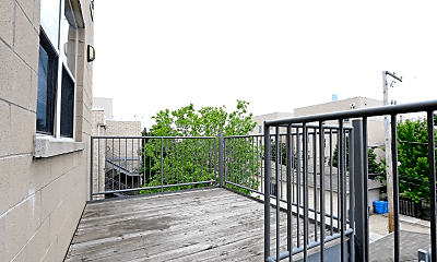 Patio / Deck, 1029 S Lytle St, 2