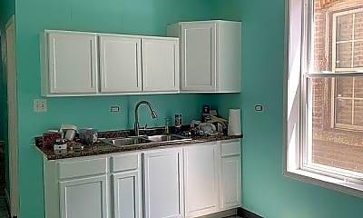 Bedroom, 2623 W Cullerton St, 2