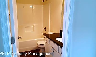 Bathroom, 74 Gloucester Dr, 1