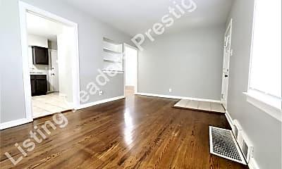 Building, 894 Louisiana St, 1