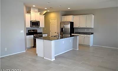 Kitchen, 2840 Sparkling Sea St, 1