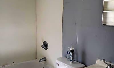 Bathroom, 3500 Penick St, 2