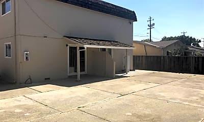 Building, 912 Minaker Dr 1, 2