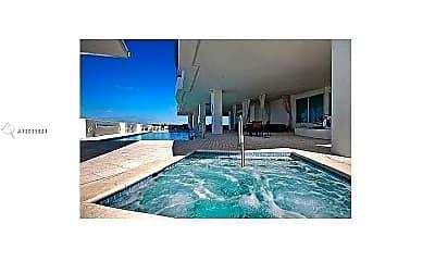 Pool, 315 NE 3rd Ave 802, 2