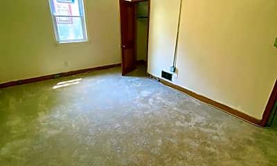 Living Room, 4003 Ridgecroft Rd, 2