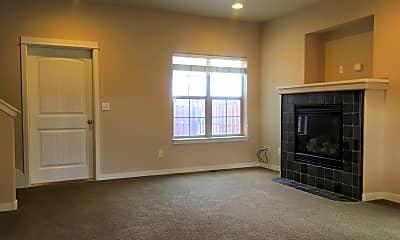Living Room, 804 NE Ross Rd, 1