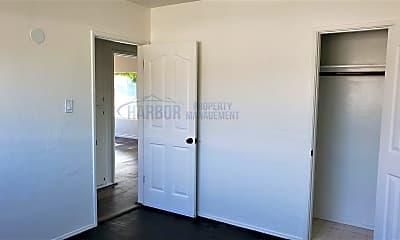 Bedroom, 458 N Meyler St, 2