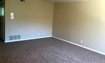 Living Room, 1008 Woodside Rd, 2