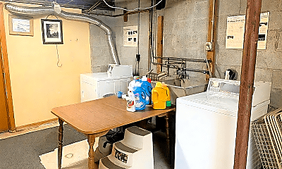 Bathroom, 56 Curtis St, 2