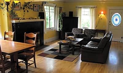 Living Room, 902 SW 11th St, 1