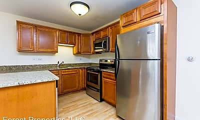 Kitchen, 1004 Des Plaines Ave, 1