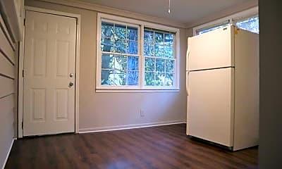 962 Clifton Rd, 1