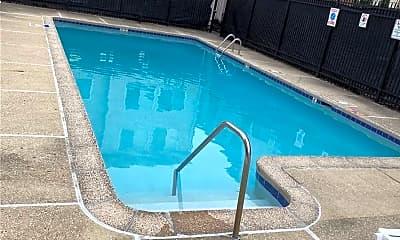 Pool, 1611 Washington Blvd 302, 1