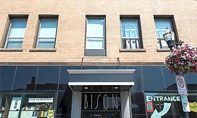 Building, 413 Broadway N, 2