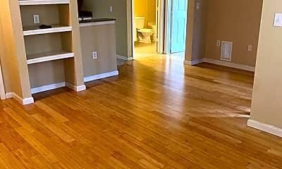 Living Room, 8539 Gate Pkwy W 1533, 0