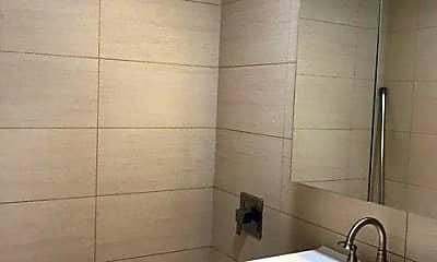 Bathroom, 136-19 Franklin Ave 7B, 2