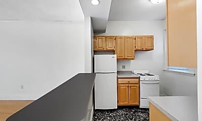 Kitchen, 124 Peterborough Street, Unit 15, 1