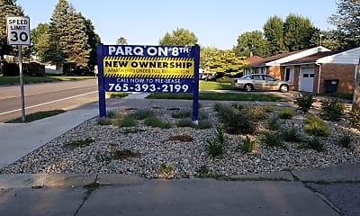 Parq on 8th, 1