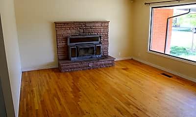 Living Room, 6322 W Lucky Ln, 1