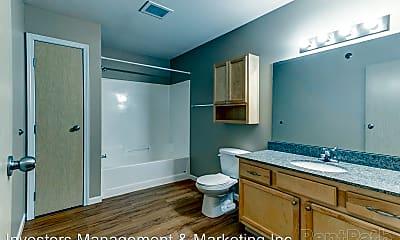Bathroom, 3920, 3850, 3880 Garden View Drive, 2