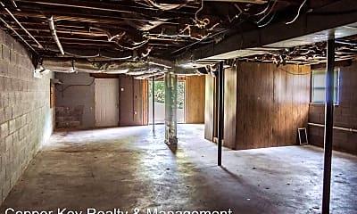 Bedroom, 334 Old Dunbar Cave Rd, 2