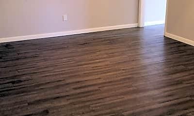 Living Room, 935 Linde Ave, 1