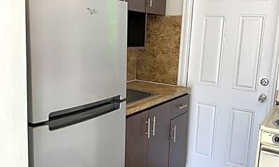 Kitchen, 710 SW 10th St, 2