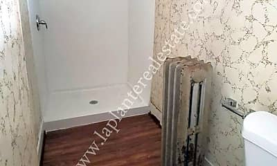 Bathroom, 950 Oak St, 2