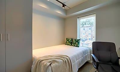 Bedroom, 406 E Stoughton St, 2