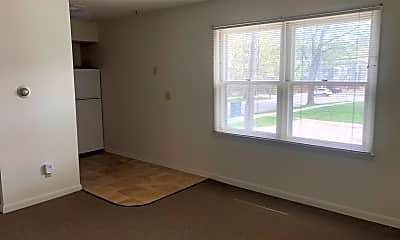 Bedroom, 405 N State St, 1