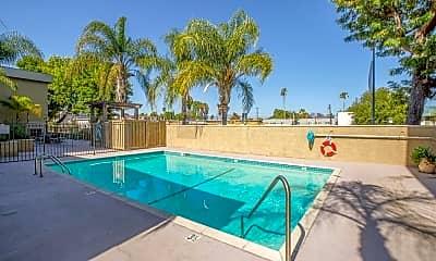 Pool, 5009 Woodman Ave 216, 2