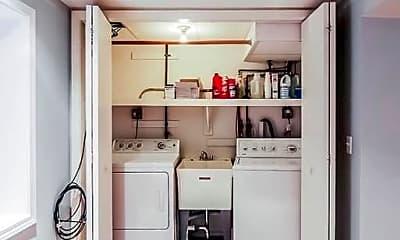 Kitchen, 1920 W Nelson St, 1