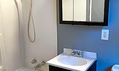 Bathroom, 2649 N 1st St, 2