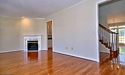 Living Room, 470 Winding Rose Dr, 1