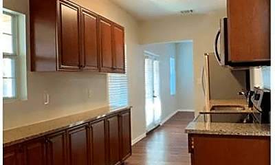 Kitchen, 1021 Powell Rd, 1