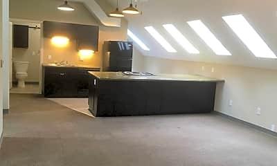 Kitchen, 1040 Orville Ave, 2