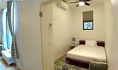 Living Room, 294 Manhattan Ave, 1